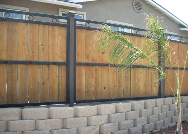 Of Privacy In Mind We Built This Wood And Steel Combination Fence Solana Beach Ca Using A 2 Frame 5 High Cedar Inserts