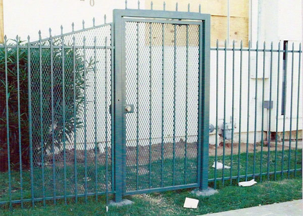 G42 This Commercial Style Gate Is Made For Security At A San Go Apartment Complex With 3 X Heavy Duty Jamb And 1 5 Steel Frame
